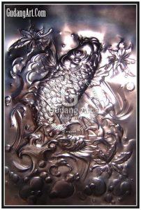 Kerajinan Relief Tembaga - Ornamen Relief Ikan Koi