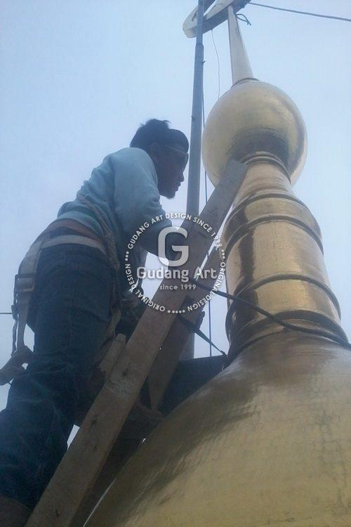 Progress Pemasangan Menara Kubah Kuningan