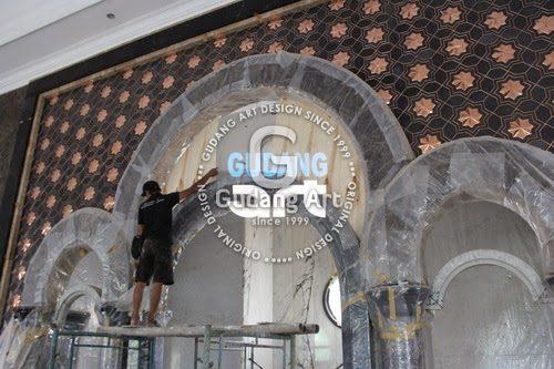 Aksen Ornamen Masjid Dan Motif Dari Tembaga