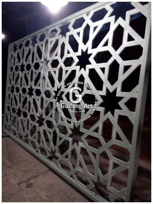 Ornamen Masjid Pagar Teralis Kerawangan Masjid