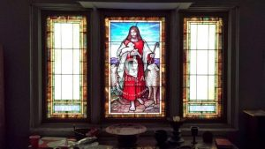 Menerapkan Konsep Kaca Patri Religius Untuk Bangunan Tempat Ibadah