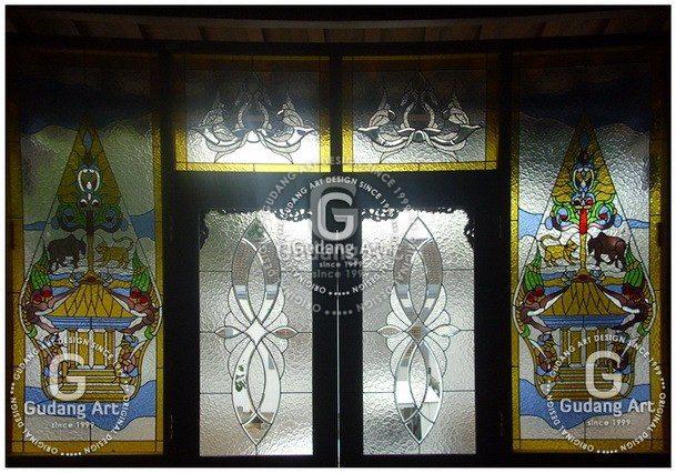 Mengenal Seni Wayang Hingga Kerajinan Kaca Patri Wayang Khas Jawa