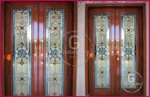 Memasang Kaca Patri Pintu Rumah Dengan Motif Terbaik