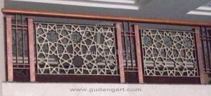 Pembuat Motif Unik Pada Railing Tangga Masjid Aluminium Untuk Menambah Nilai Seni