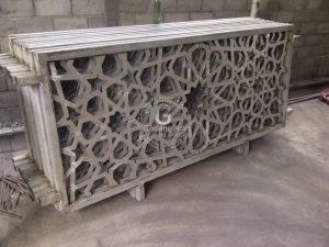 Pengaplikasian Tralis Cor Aluminium Dengan Desain Geometris Untuk Jendela Rumah