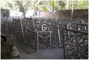 Pengaplikasian Tralis Cor Aluminium Untuk Ornamen Rumah