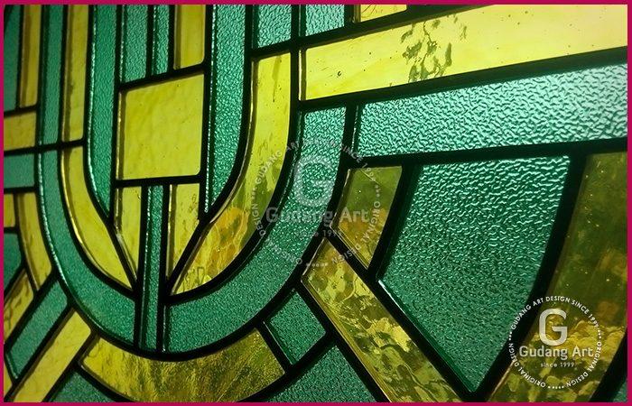 Detail Motif Kaca Patri Masjid Gudang Art