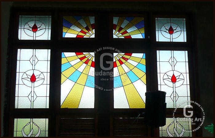 Kaca Patri Gereja - Motif Kaca Patri