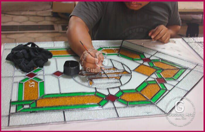 proses pembuatan kaca patri masjid