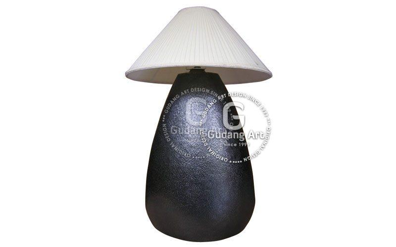 contoh lampu meja tembaga kuningan